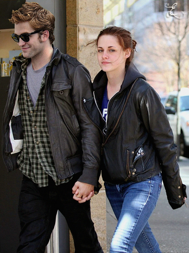 Kristen and Rob: Manip