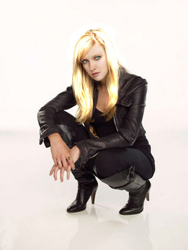 Lauren Cohan Glitter