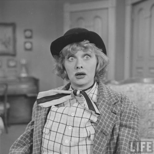 Lucille Ball پیپر وال containing a fedora and a boater called Lucille Ball