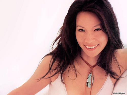 루시 루 바탕화면 containing a portrait titled Lucy Liu