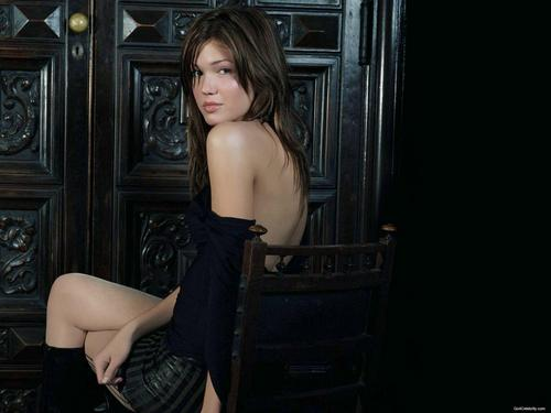 mandy moore fondo de pantalla probably with bare legs, hosiery, and skin called Mandy
