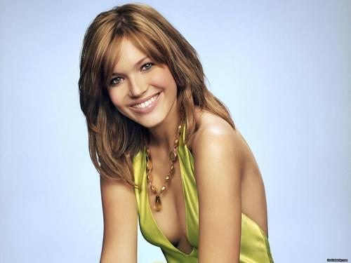 mandy moore fondo de pantalla possibly with attractiveness and a portrait called Mandy