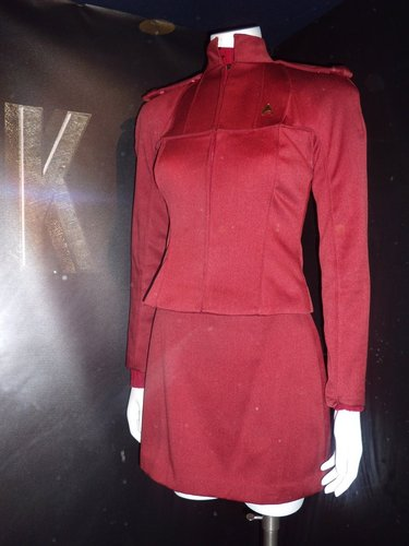 New bituin Trek movie costumes - Red Starfleet cadet uniform