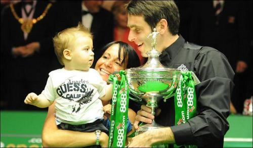 Ronnie with his family