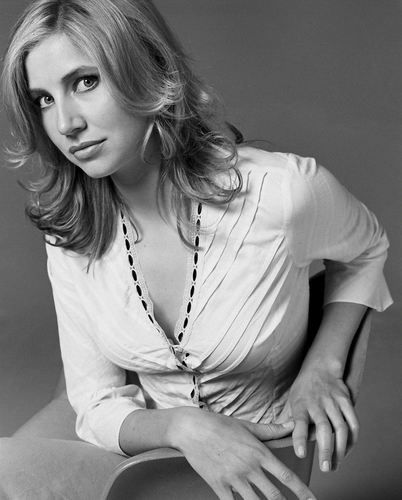 Sarah Chalke wallpaper possibly with a portrait called Sarah Photoshoot 2002.