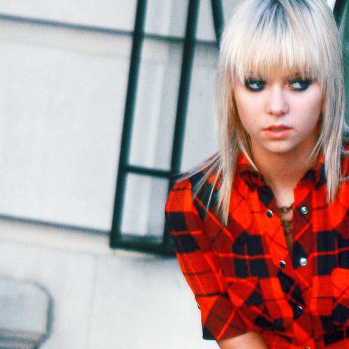 Weronika Schneider# Taylor-taylor-momsen-6812008-500-500