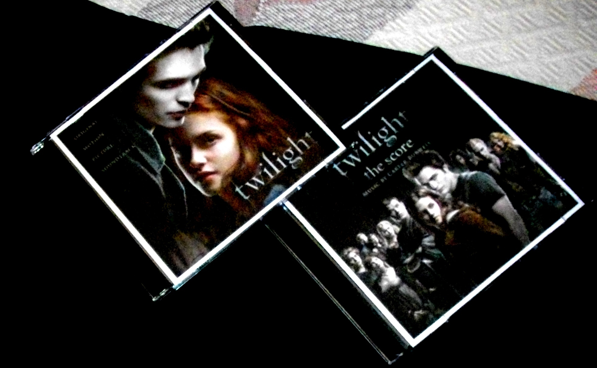 why the twilight series is so Conceived so, and carried by this but by the end of the series she warms to it film portrayal mackenzie foy on october 7, 2010, stephenie meyer released a message on twilight facebook that said renesmee cullen was to be portrayed by mackenzie foy in breaking dawn - part 1 and breaking.