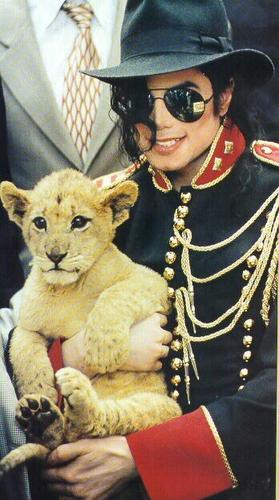 michael jackson with a cub