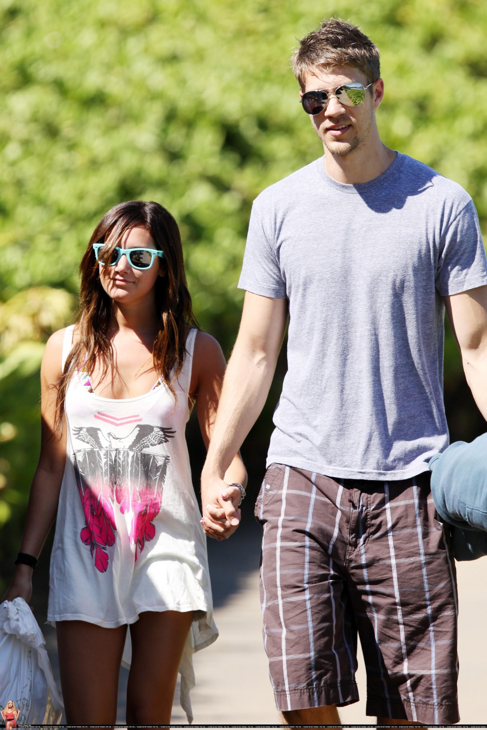 Ashley& Scott - ashley-tisdale photo