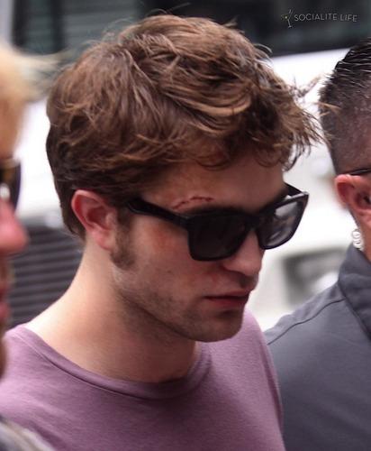 Bloodied Robert Pattinson on New York Set