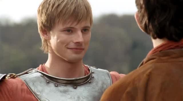 bradley james smile - photo #17
