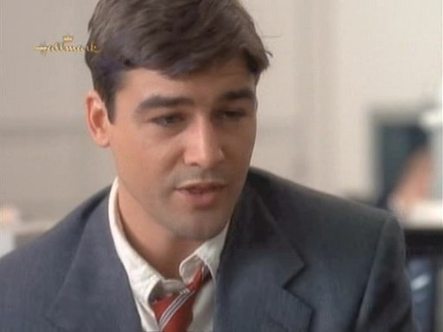 Early Edition - kyle-chandler Screencap