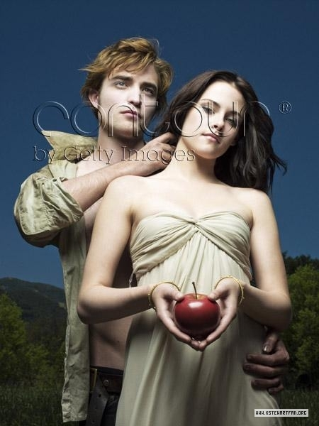 http://images2.fanpop.com/images/photos/6900000/Entertainment-Weekly-Outtakes-twilight-series-6976940-450-600.jpg