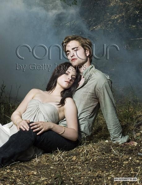 http://images2.fanpop.com/images/photos/6900000/Entertainment-Weekly-Outtakes-twilight-series-6976942-459-600.jpg