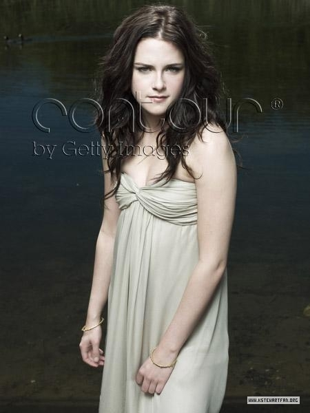 http://images2.fanpop.com/images/photos/6900000/Entertainment-Weekly-Outtakes-twilight-series-6976946-450-600.jpg