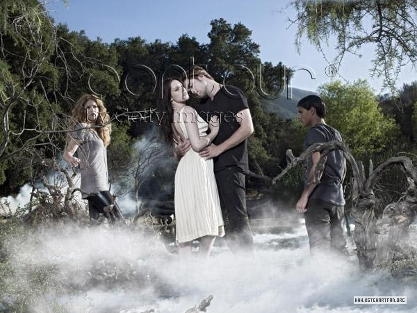 http://images2.fanpop.com/images/photos/6900000/Entertainment-Weekly-Outtakes-twilight-series-6976960-600-450.jpg