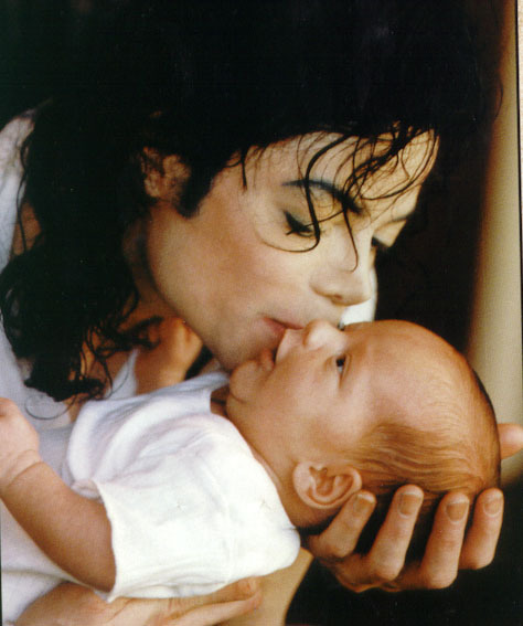 Michael's baby - OK  - michael-jackson photo