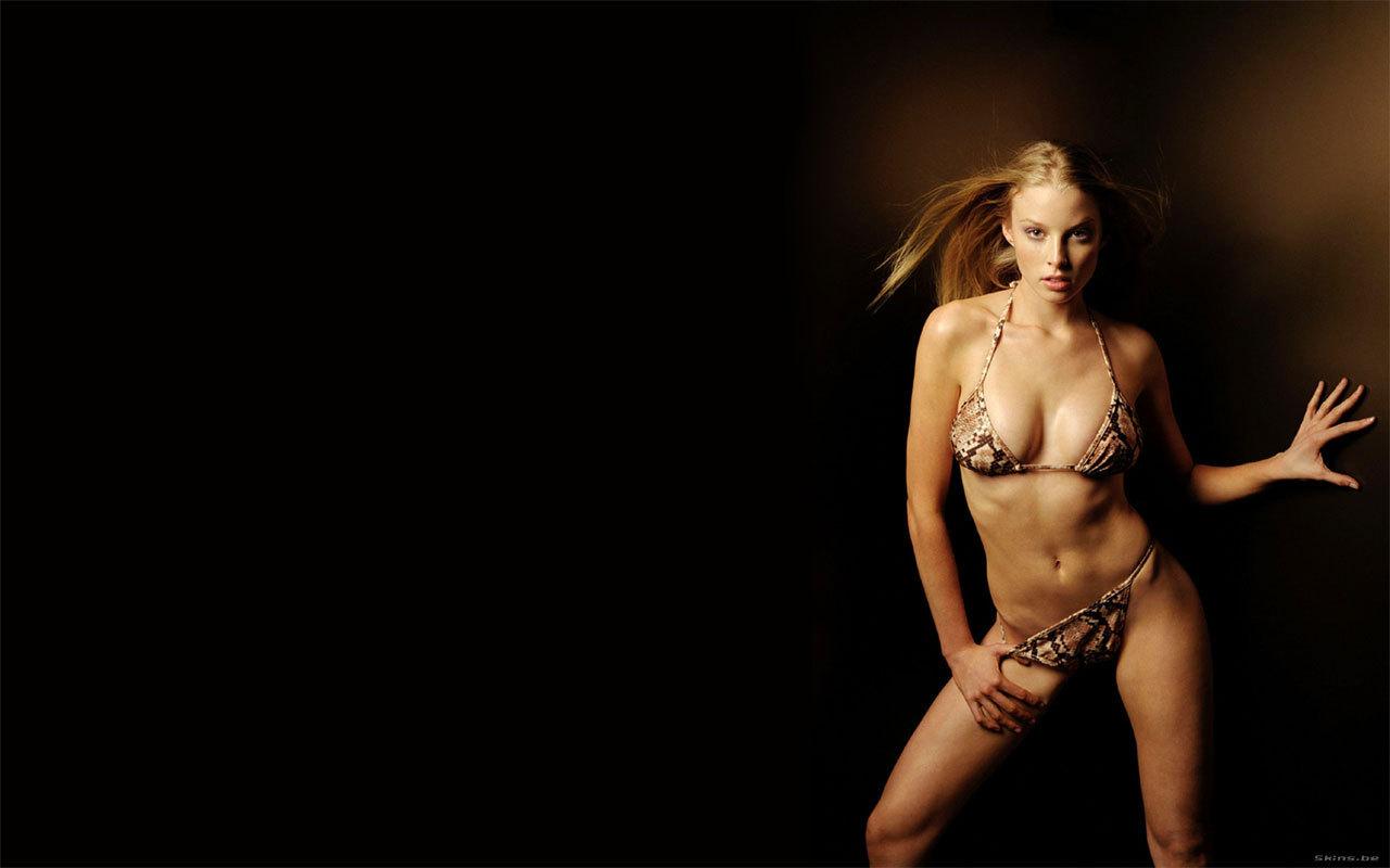 Рэйчел николс в бикини