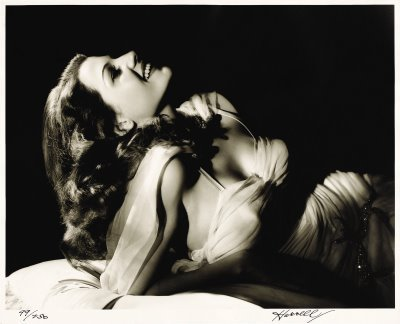 Rita Hayworth wallpaper probably containing a portrait called Rita