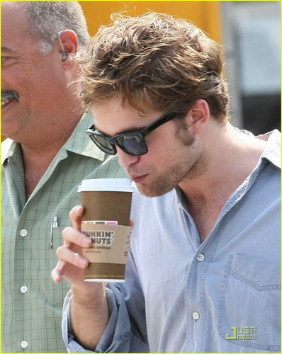 Rob On Remember Me Set