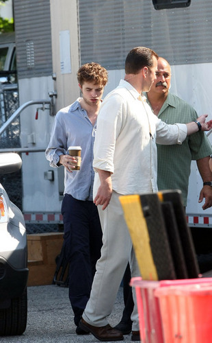 Rob On Remmeber Me Set