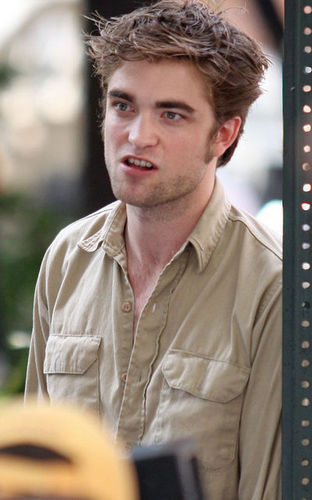 Robert Pattinson on Remember me set