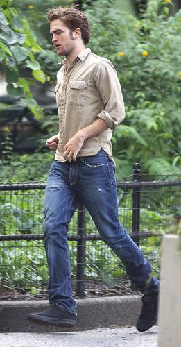 Robert Pattinson on Remember me set