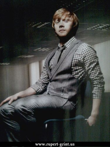 Rupert Grint wallpaper containing a business suit and a well dressed person titled Rupert Grint!