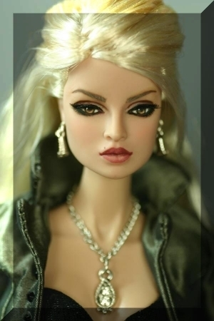 http://images2.fanpop.com/images/photos/6900000/The-Twilight-Rosalie-Doll-twilight-series-6956802-300-450.jpg
