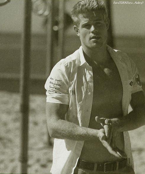 Trevor Donovan in Cotton gürtel 2005