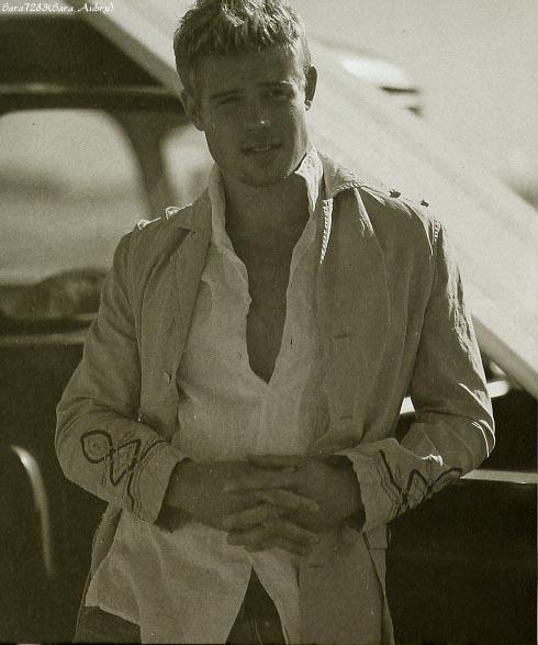 Trevor Donovan in Cotton 带, 皮带 2005
