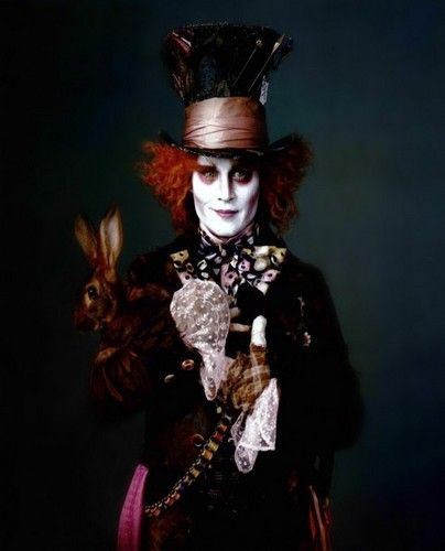 Alice im Wunderland (2010) Hintergrund probably with a surcoat, wappenrock titled Vanity Fair Magazine Scan: The Mad Hatter