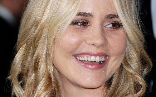 Alison Lohman widescreen wallpaper