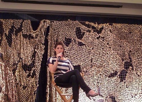 Ashley @ Twi Tour Convention hari Two