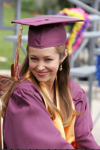 Autumn Reeser as Taylor Townsend in the OC-season 3