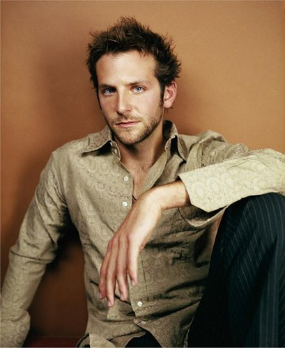 Bradley Cooper 壁纸 probably containing a well dressed person and an outerwear entitled Bradley Cooper <3