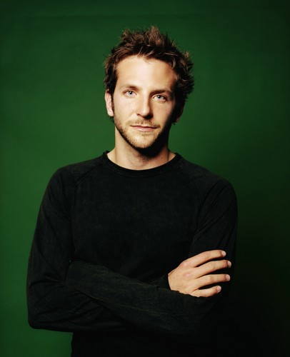 Bradley Cooper 壁纸 containing a jersey titled Bradley Cooper <3
