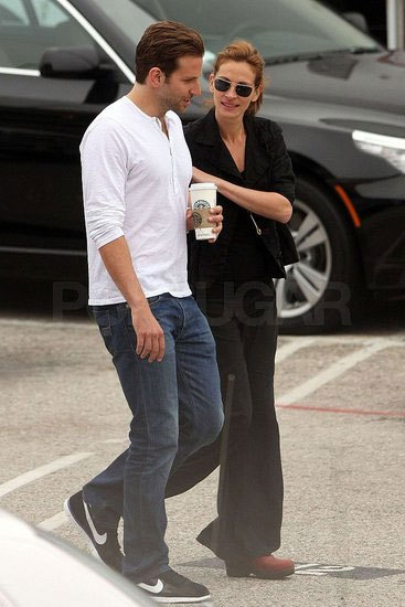 Bradley Cooper And Julia Roberts On The Set 8.8.09