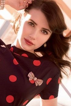 Emma Roberts fond d'écran possibly with an outerwear and a portrait titled Emma Roberts