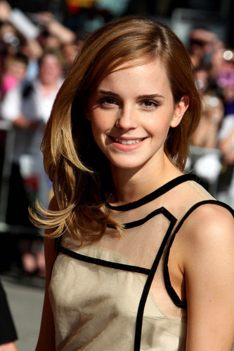 "Emma Watson appears at the ""Late 表示する with David Letterman"", New York City"