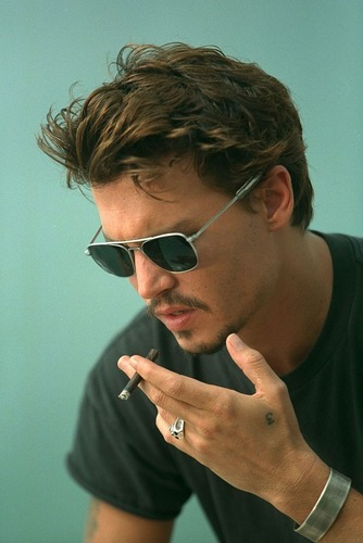 Johnny Depp wallpaper with sunglasses called Johnny Deep