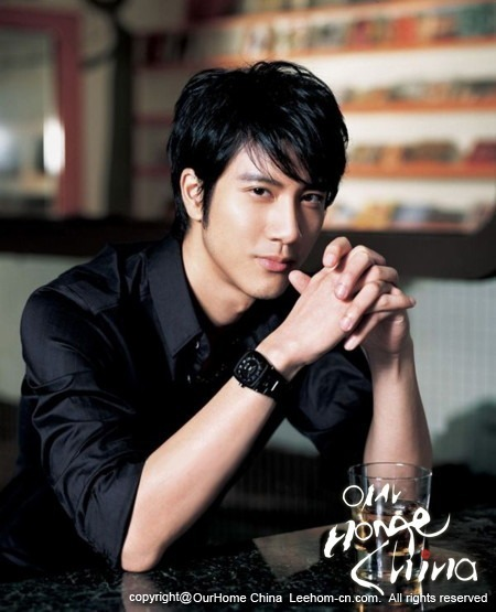 Lee-Hom Wang Pictures, Biography, Nude Reviews,