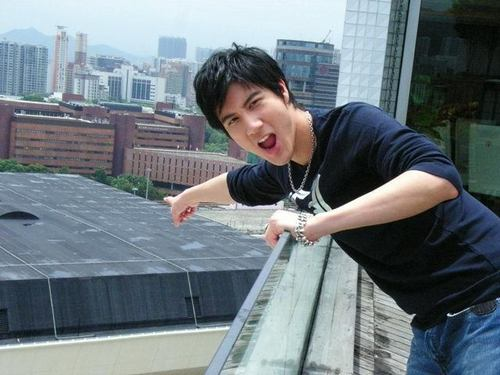 Lee Hom Wang