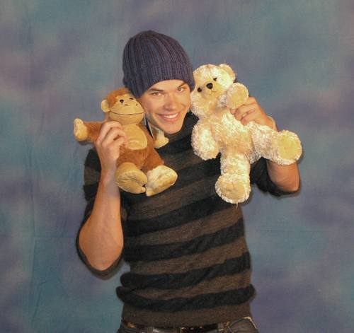 MY TEDDY ours KELLAN LUTZ (HQ)