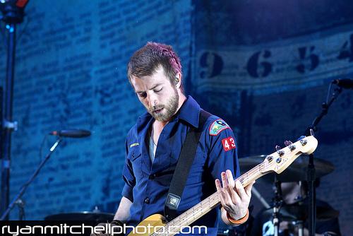 Paramore(On Tour-Tinley Park 7/11/09)
