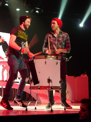 Brand New Eyes wallpaper containing a baterista and a show, concerto titled Paramore! (On tour)