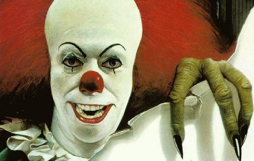 film horror wallpaper entitled Pennywise the Clown