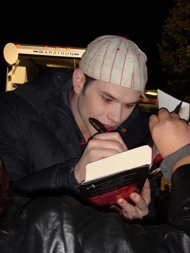 do ya l'amour this sweet vampire???