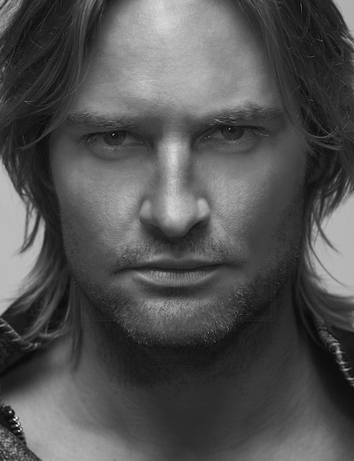 http://images2.fanpop.com/images/photos/7000000/josh-holloway-josh-holloway-7042955-499-650.jpg