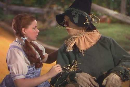 Le Magicien d'Oz fond d'écran titled Dorothy And The Scarecrow